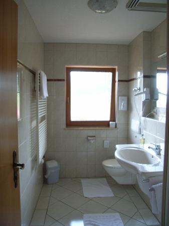 Salle d 39 eau picture of gasthaus zum kreuz sankt margen - Salle d eau 2m2 ...