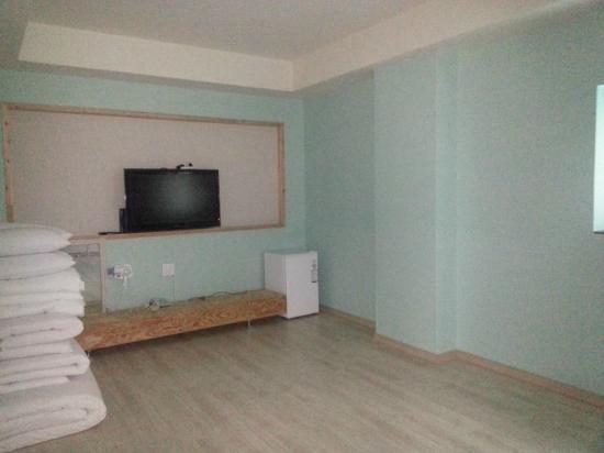 Piano Motel: room