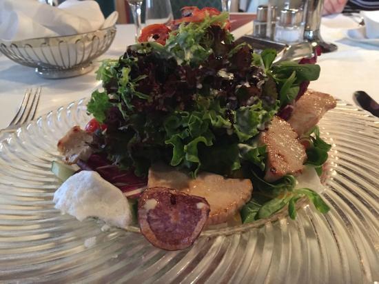 Hotel Schwarzer Adler A la Carte Restaurant: insalata con strisciole di tacchino grigliato