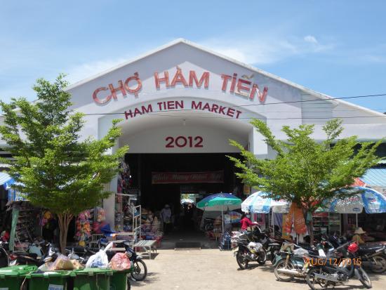 Ham Tien Market