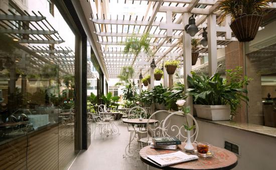 Northern Hotel Saigon: Restaurant Terrace