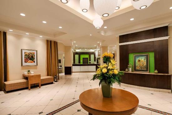 Hilton Garden Inn Saskatoon Downtown: Lobby