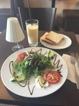 Cafe' M
