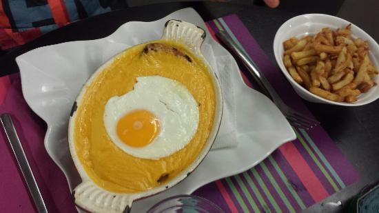 Le Scoop : Filet mignon gratiné au chèvre, frites maison  et le fameux welch
