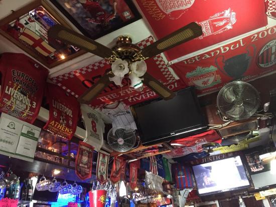 Liverpool Bar: Fantastic decor although I am slightly biased ;)