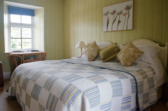 Boscastle House: Lovely comfortable super king size bed