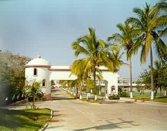 Costa Bonita Condominium & Beach Resort: Exterior