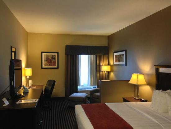 BEST WESTERN PLUS Prairie Inn: Plush, clean, tidy and well equipped room