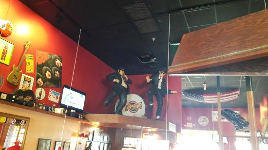 Fuddruckers: Blues Brothers