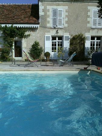 Saint-Denis-sur-Loire, France : Ressourcement...