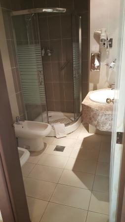 Amman West Hotel: Toilet