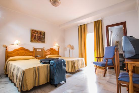 Hotel Abades Loja: Habiación