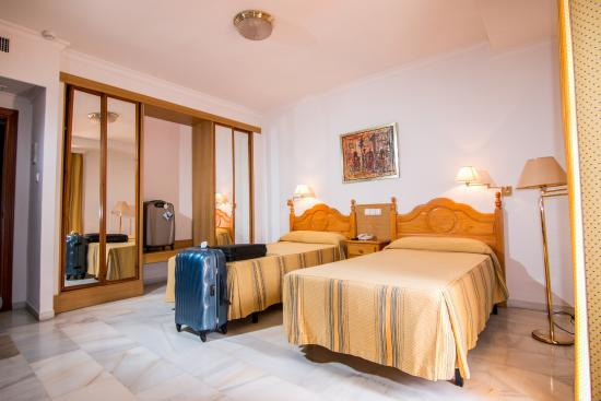 Hotel Abades Loja: Habitación