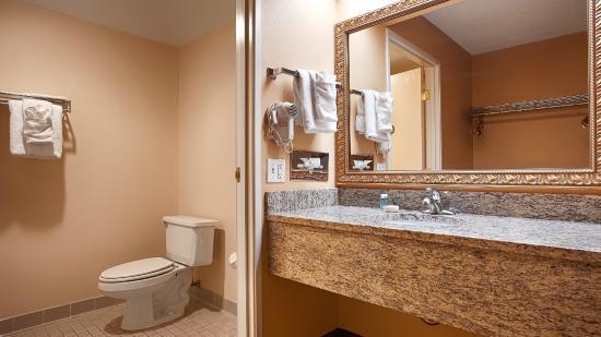 BEST WESTERN Resort Hotel & Conference Center: Bathroom
