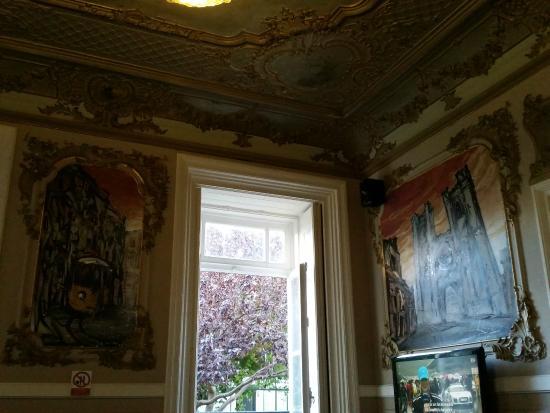 Go Hostel Lisbon: Sala común