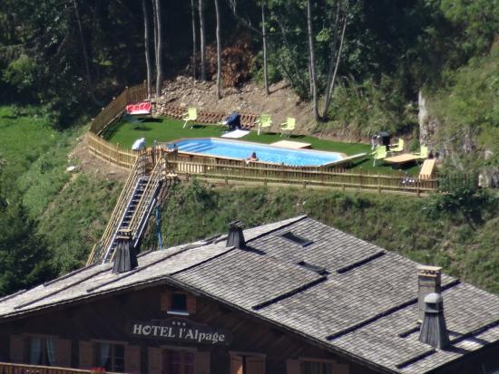 Hotel Restaurant l'Alpage: l'hôtel et sa piscine