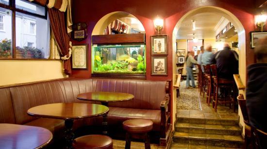 Arva, Irlande : Ned's Bar