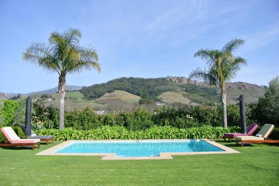 La Cle des Montagnes: Our villa's private pool