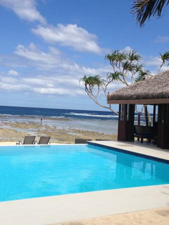 Overlooking the pool to the coral beach.
