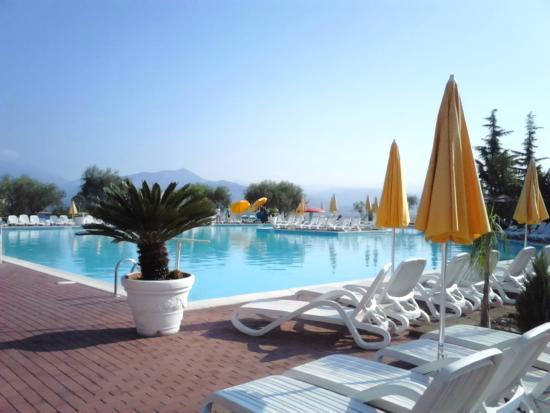 Piscina foto di hotel centro turistico gardesano - Piscina g conti verona ...