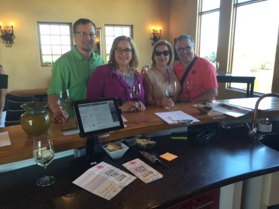Pepper Bridge Winery : Friendly staff and great wine - notice our glasses are empty.