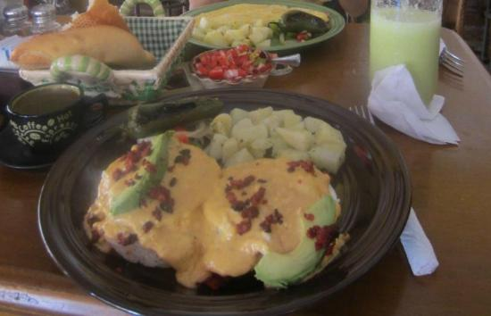 San Angel Cafe: Eggs Benedict with a Mexican twist - the best I've had!
