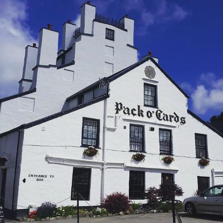 Pack o' Cards Inn: The Hotel