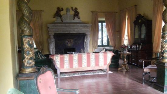 sala con camino - Foto di Villa Milani - Residenza depoca, Spoleto ...