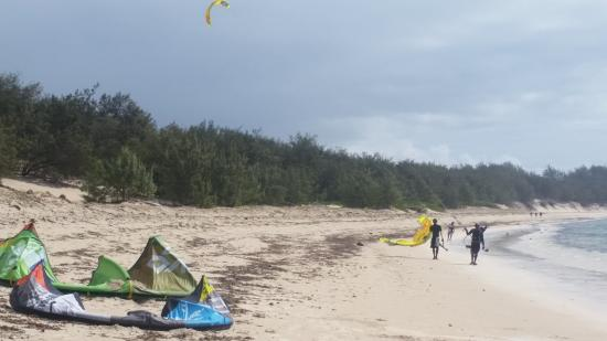 Royal Sakalava: more kite surfing