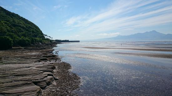Okoshiki Beach: 干潟の向こうに雲仙普賢岳