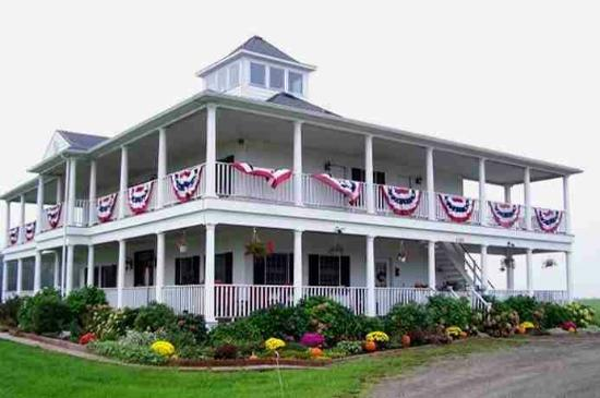 Amber Waves Farm Bed & Breakfast