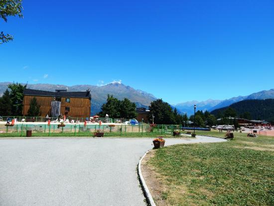Les Balcons de Maurienne : allée principale