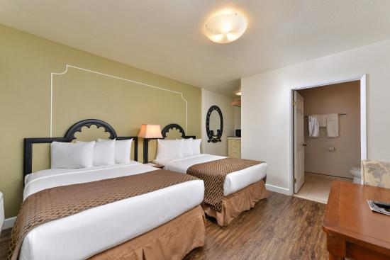 Americas Best Value Inn: Two Double Bed Guest Room