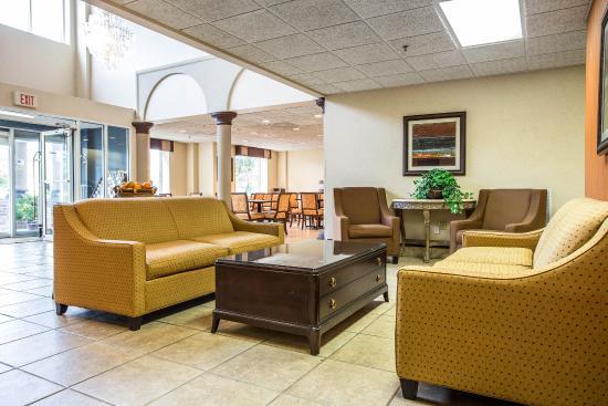 Comfort Suites Summerville: Interior
