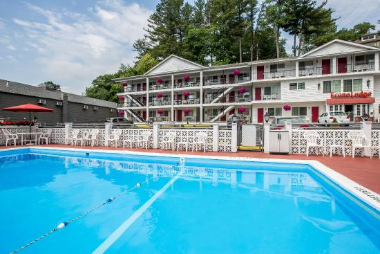 Econo Lodge Downtown: NYPool