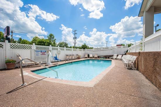 Lexington, Tennessee: Pool