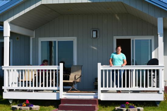 Soaring Eagle Lodge: Front porch of our cottage at Soaring Eagle.