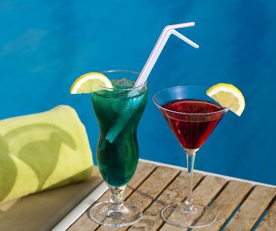 Beach Hotel by Bin Majid Hotels & Resort: Drinks