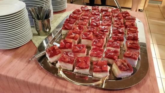 Mosellandhotel Waldeck: Kuchen als Dessert