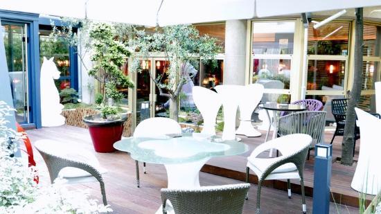 Hotel Atala Champs Elysees: Garden 2