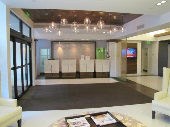 front desk reservations picture of radisson hotel new. Black Bedroom Furniture Sets. Home Design Ideas