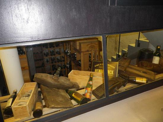 la cave photo de au vieux porche eguisheim tripadvisor. Black Bedroom Furniture Sets. Home Design Ideas
