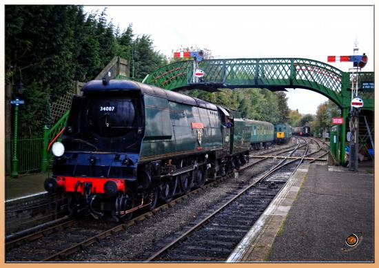 The Mid Hants Railway Watercress Line : Watercess Line Voyage in the pass