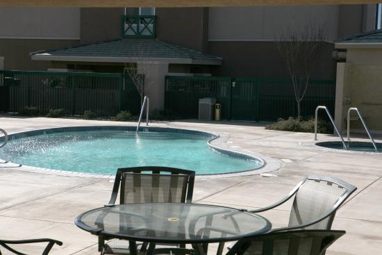 Holiday Inn Express Tehachapi Hwy 58 Mill Street Updated 2017 Hotel Reviews Price