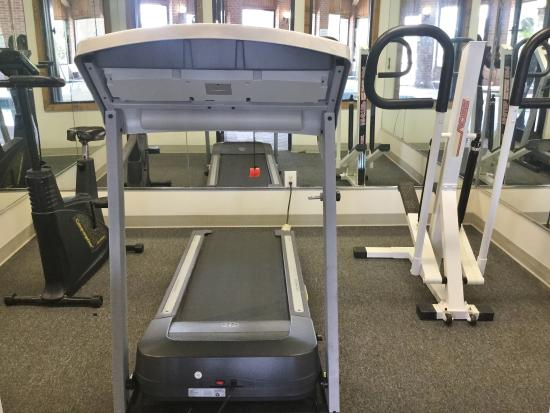 Country Hearth Inn & Suites Fulton: Fitness Center