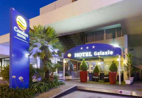 Entr e h tel picture of comfort hotel galaxie st for Entree hotel