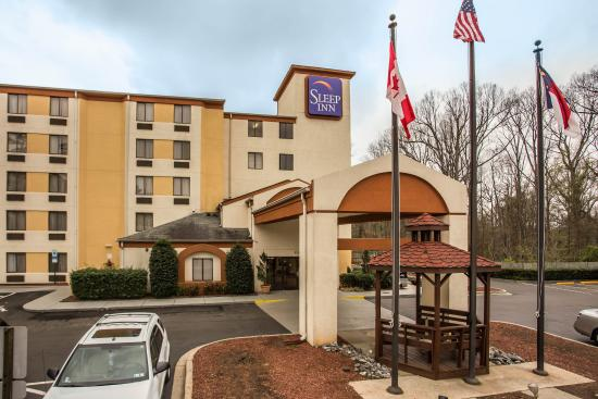 Sleep Inn North Lake: Exterior