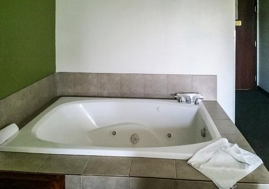 Pleasant Hill, Айова: Hot Tub