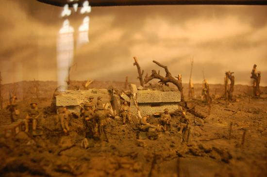 Menin gate at midnight by will longstaff foto van in flanders in flanders fields museum scale model of a trench area freerunsca Image collections