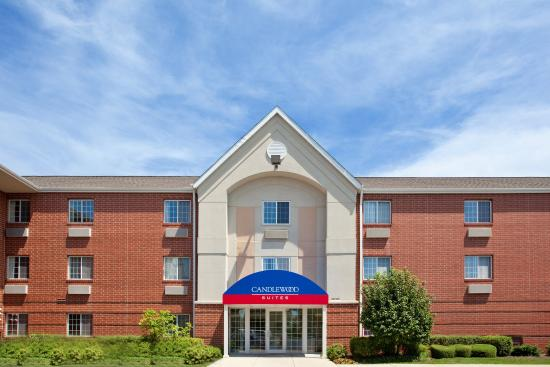 Candlewood Suites Chicago/Naperville: Hotel Front Entrance
